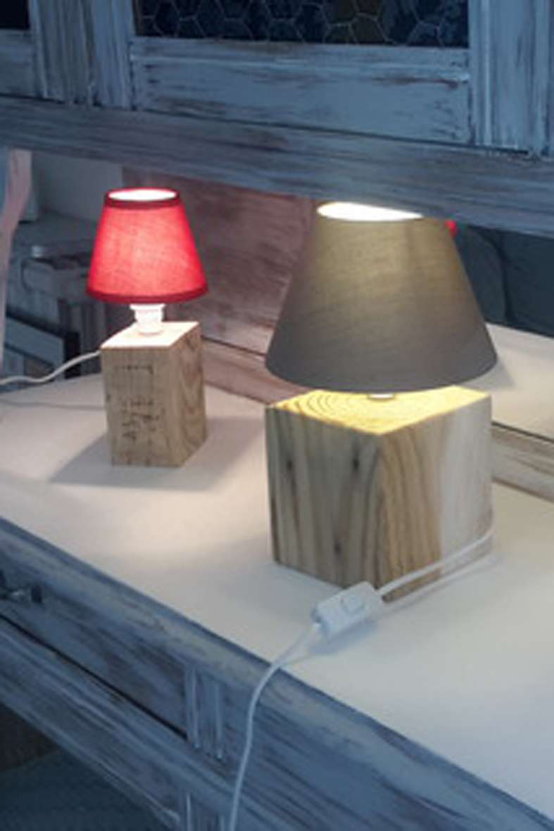 Luminaires lampe de chevet en bois de recup 16138285 20151004 1245337173 1aecc 570x0